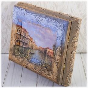 """Настенная ключница """"В Венеции"""" с правым открыванием дверцы"""