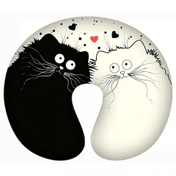 """Подушка-подголовник """"Это любовь"""" от 590 руб"""