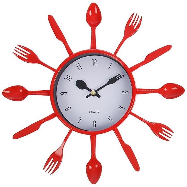 """Настенные часы """"Со вкусом"""" красные от 690 руб"""